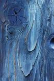 Une partie de bois défraîchie peinte bleue Images stock