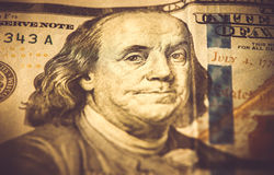 Une partie de 100 dollars, macro tir, Benjamin Franklin Images libres de droits