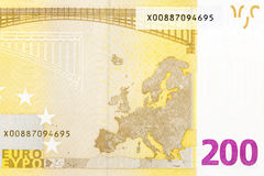 Une partie de facture de l'euro 200 sur le macro Images libres de droits