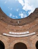 Une partie de la façade de la basilique de St Mary des anges et des martyres Beaux vieux hublots à Rome (Italie) photo libre de droits