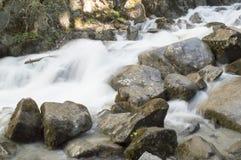 Une partie de Reid Falls inférieur dans Skagway, Alaska Photos stock