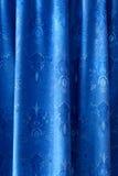 Une partie de rideau bleu image libre de droits