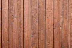 Une partie de clôture avec le vernis brun Image libre de droits