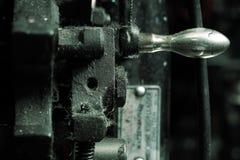 Une partie de vieilles machines mécaniques utilisées dans le processus industriel photographie stock