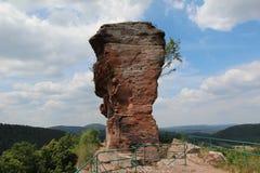 Une partie du château de Drachenfels en Allemagne Photographie stock