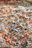 Une partie du mur couvert de messages d'amour en maison de Juliet, Vérone Image libre de droits