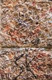 Une partie du mur couvert de messages d'amour en maison de Juliet, Vérone Images stock