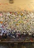 Une partie du mur couvert de messages d'amour en maison de Juliet, Vérone Photos libres de droits