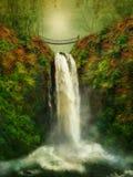 Une passerelle au-dessus de la cascade à écriture ligne par ligne Images libres de droits