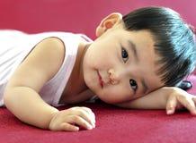 Une petite chéri avec de beaux yeux Image stock