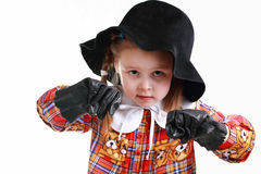 Une petite fille dans la boxe de chapeau et de gants Photos libres de droits