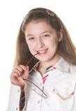 Une petite fille posant avec des spestacles Photographie stock libre de droits