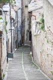 Une petite rue à Urbino Photos stock