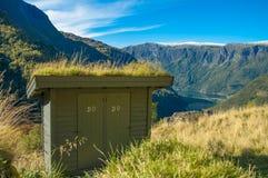 Une petite toilette extérieure Image libre de droits