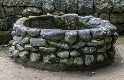 Une pierre bien dans le château d'Osaka Photo libre de droits