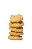 Une pile de biscuits de noix de cajou blanc d'isolement par balai Photographie stock