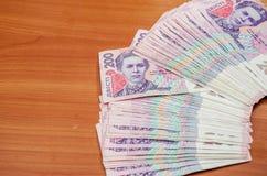 Une pile de hryvnia ukrainien d'argent, la valeur nominale 200 UAH Plan rapproch? image libre de droits