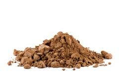 Une pile de poudre de cacao d'isolement Images stock