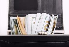 Une pile des billets de banque des USA avec des portraits de président Argent liquide des billets d'un dollar, fond d'image du do Image stock