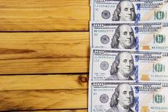 Une pile des billets de banque des USA avec des portraits de président Argent liquide des billets d'un dollar, fond d'image du do Photo stock