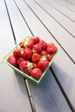 Une pinte de fraises fraîches #1 Photographie stock