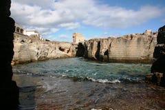Une piscine dans les roches Photographie stock libre de droits