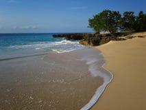 Une plage abandonnée Images stock