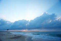 Une plage côtière à Lagos Photographie stock