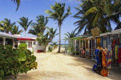 Une plage complètement des stalles de constructeur Photo libre de droits