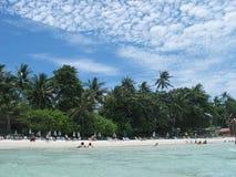 Une plage - un paradis de vacances Images stock