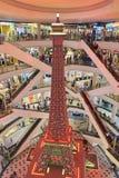 Une plus petite réplique de la tour d'Eifel Terminal 21 Pattaya images libres de droits