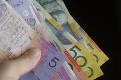 Une poignée de monnaie fiduciaire australienne photos libres de droits