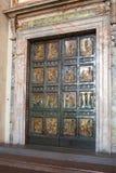 Une porte d'anniversaire, ouvre le temps en 25 ans. Vatican Image libre de droits