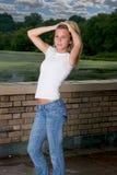 Une pose de jeune fille Photos stock