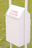 Une poubelle allemande de chienchien Image libre de droits