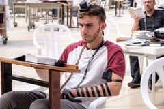 Une prière juive d'homme Images stock