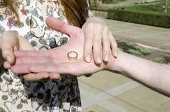 Une proposition de mariage Photos stock
