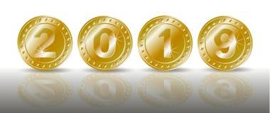 Une rangée des pièces d'or de scintillement symboliques avec les nombres de la nouvelle année 2019 avec la réflexion de shadaow e illustration libre de droits