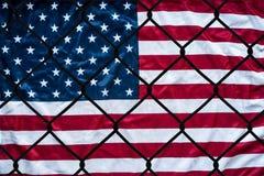 Une représentation symbolique des immigrés et des Etats-Unis d'Amérique image libre de droits