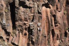 Une roche de pierre rouge image libre de droits