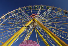 Une roue de Ferris Photos stock