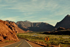 Une route dans un désert Image libre de droits