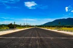 Une route isolée Photographie stock libre de droits