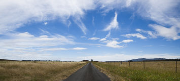 Route dehors à une propriété de pays près de Lithgow NSW Australie Images stock
