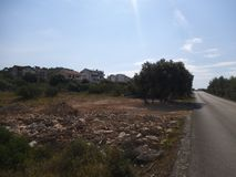 Une rue dans le wildness dans Sibenik photographie stock