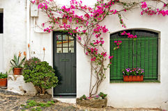 Une rue de Cadaques, Espagne image stock