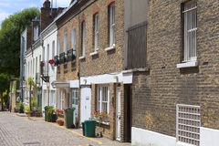 Une rue typique avec des maisons dans le secteur de Notting Hill, Londres, Royaume-Uni Image libre de droits