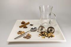 Une sélection des ingrédients de thé Image libre de droits