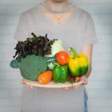 Une sélection des légumes frais pour une alimentation saine de coeur Images libres de droits