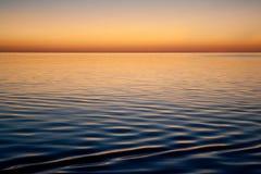 Une scène calme de l'eau à Anchorage à distance en Bahamas photo libre de droits